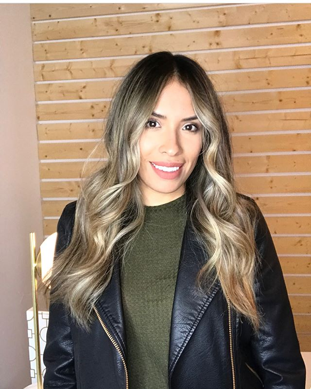 All smiles from @brilovesg beautiful client!  The mod labb is open from its week of remodeling stop in and check out the new stuff! #modmane #dallaslovesbalayage #balayage