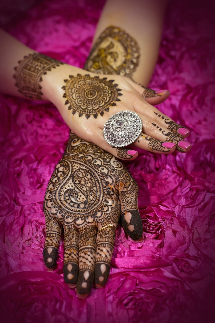 Contemporary mehndi designs from Neeta Sharma.