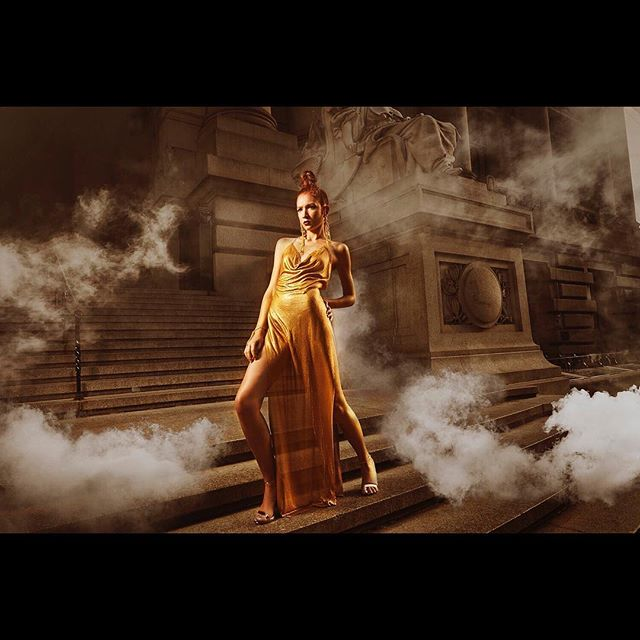 'Gotham Goddess' powerful #photoshoot shot in the #FinancialDistrict ✨📸 Photographer & Art Direction: @isanmonfortstudio  Creative Direction & Hair: Me Model: @jasminty_fresh with @bmg.models  Makeup: @marquestmakeup  Styling: @fashionwidower  Dress & Jewelry: @roseberger.nyc  Photo Assist: @gabrielmontagnani @martin_blau2002  My Assist: @milenaurkitis  #independentartist #travelingartist #nycbased #nyc #manhattan #nycstylist #nychair #creative #director #directing 🖤🔥