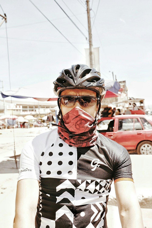 Omar fending off the pollution when leaving Bogotá.