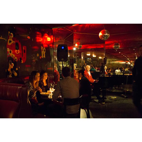 Lounge_9.jpg