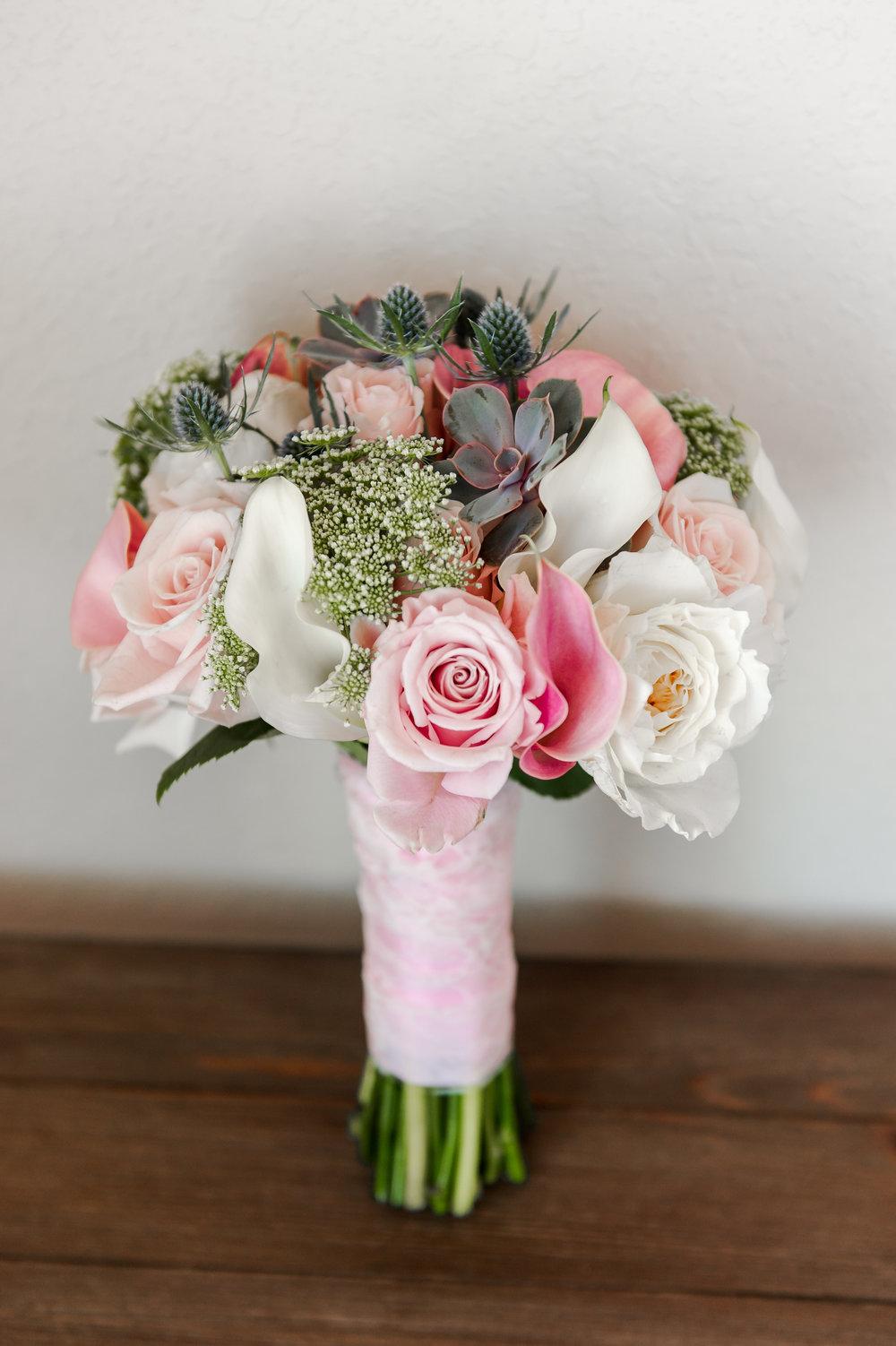 Elizabeth Henson Photos/Fluttering Flowers