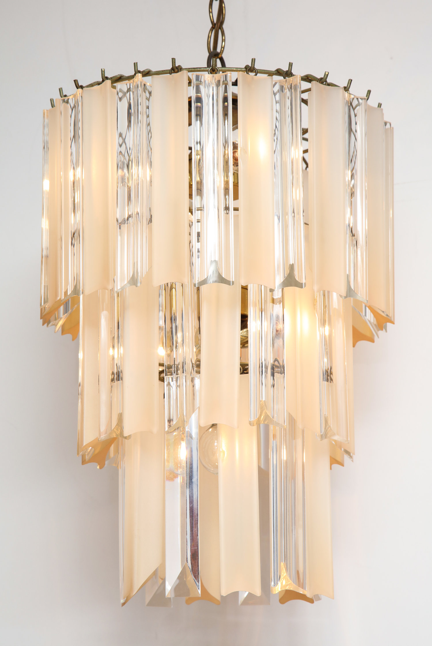 contemporary items chandeliers lucite sparkling chandelier modernism rod