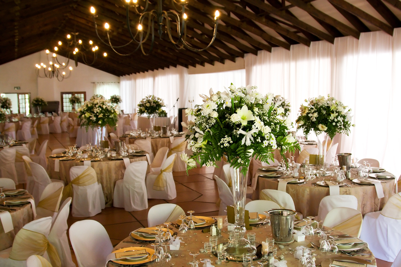 Cream & Gold Wedding Reception.jpg