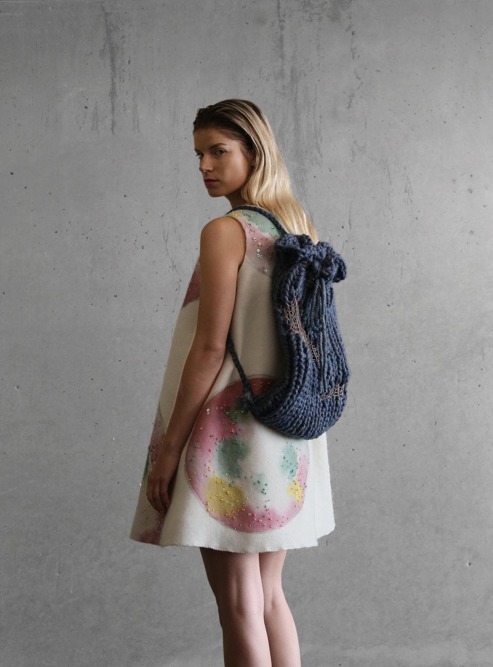 4. LOOK SIDE   BAG 9918.jpg