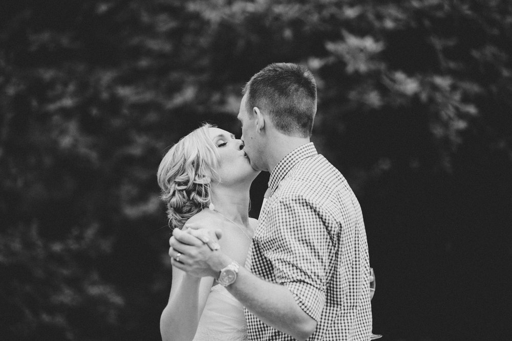 hallie + dylan | cecil robert hamilton photography