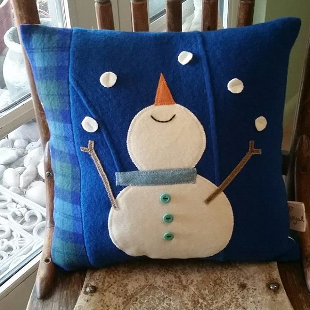 """So excited that I finished 12 repurposed wool snowmen pillows! They will be delivered to """"Made in Greer"""" in Pinetop, Az tomorrow. #holidayfun #snowman #repurpose #handmade #sewing #homedecor #cushions #upholstery #whitemountains #loyalbird #madebyme #maker #christmas /christmassewing #lovetosew"""