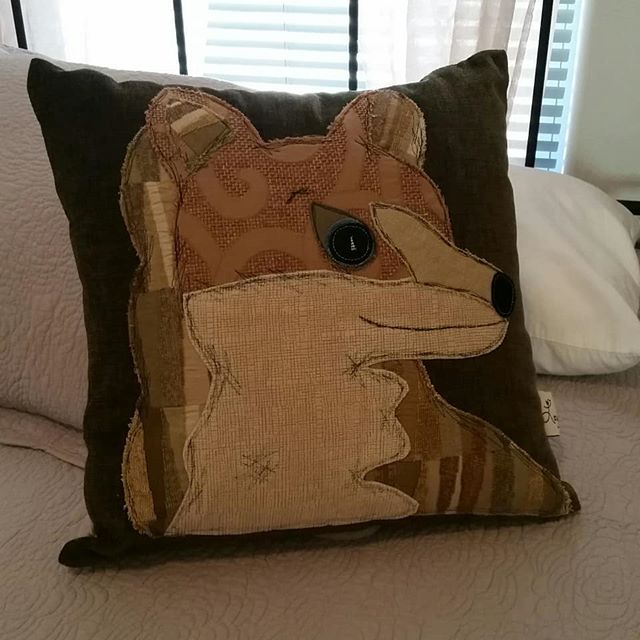 These two charming animal pillows will be available tomorrow at the #showlowfarmersmarket.  The perfect forest green accent for a mountain home! #azlocal #whitemountains #handmade #cushions #pillows #interiordesign #sewing