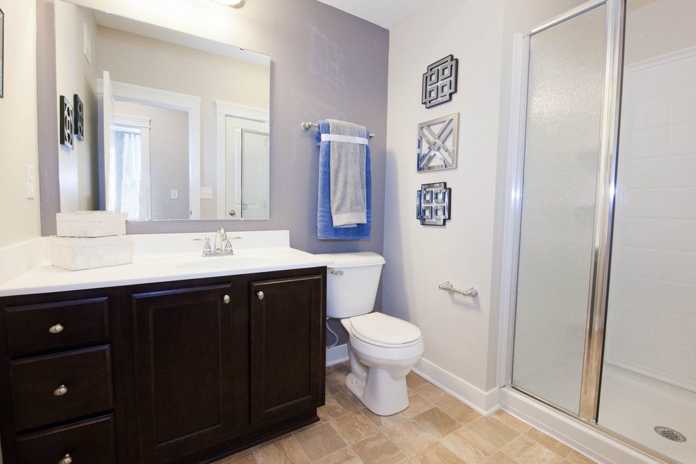 Highpointe - Model bathroom 1 (apartment).JPG