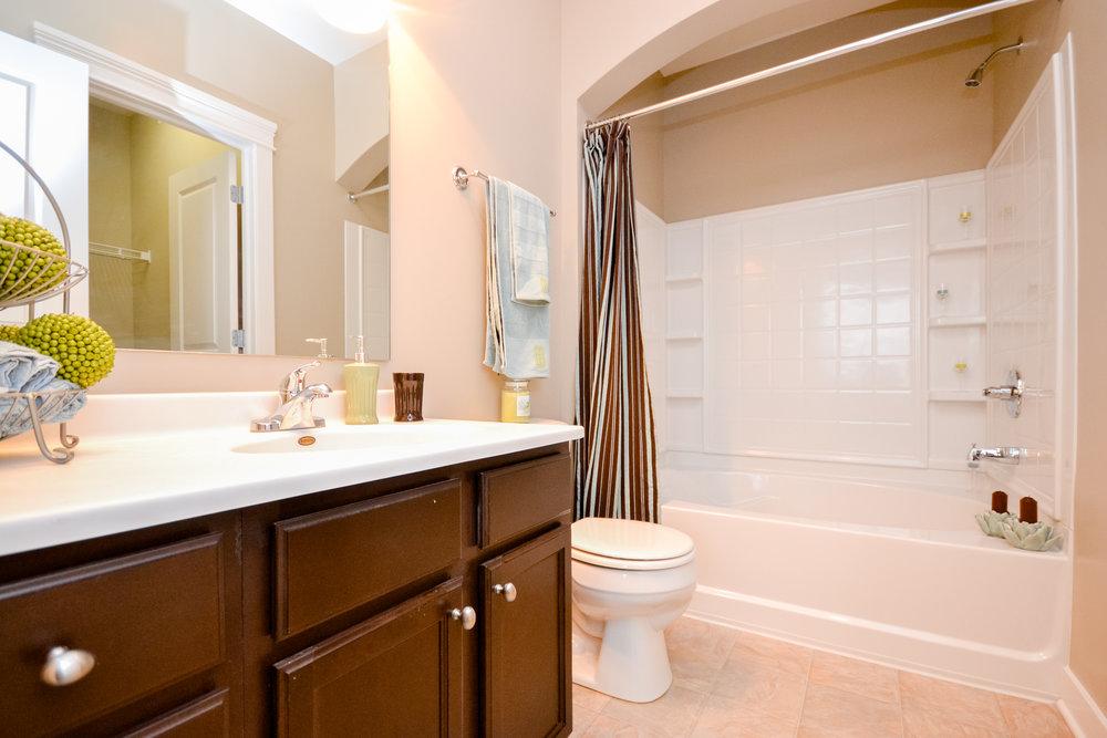 District - model bathroom #1 (apartment).jpg