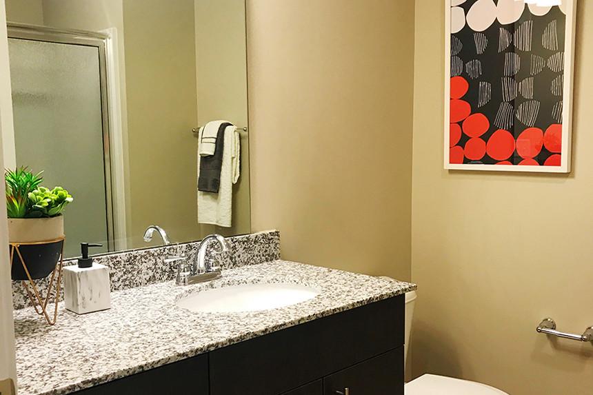 park-66-flats-indianapolis-in-bathroom.jpg