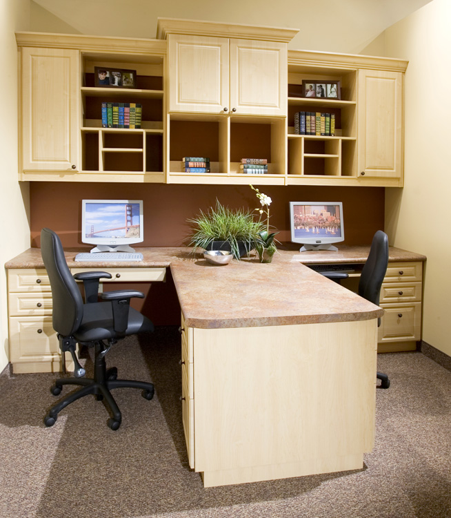 12- Traditional Maple Office_1.jpg