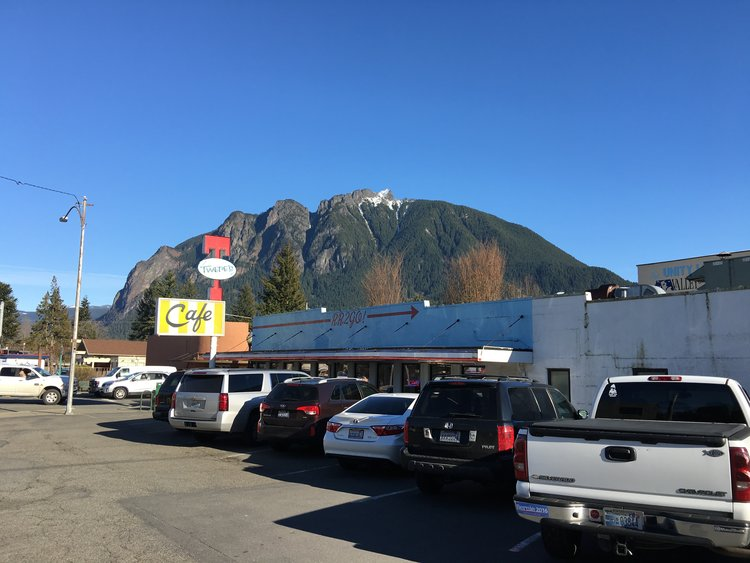 "TWEDE'S CAFE, AKA THE DOUBLE R DINER:    Twede's Cafe, (The Double R Diner) in North Bend, WA.    ""This is where pies must go when they die!"""