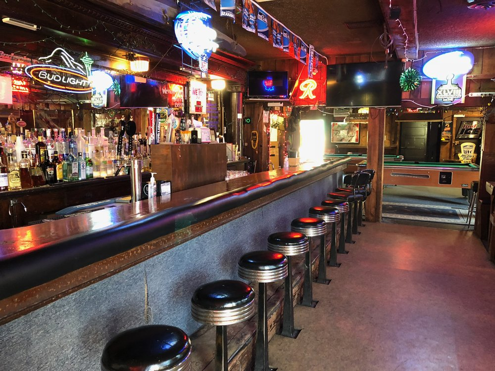 "Elk's Point #9 Bar:     This is the location where Sarah Palmer goes to enjoy a Bloody Mary and is propositioned and insulted by a trucker and in turn rips out the man's jugular with her teeth. ""It's a real mystery isn't it?"""