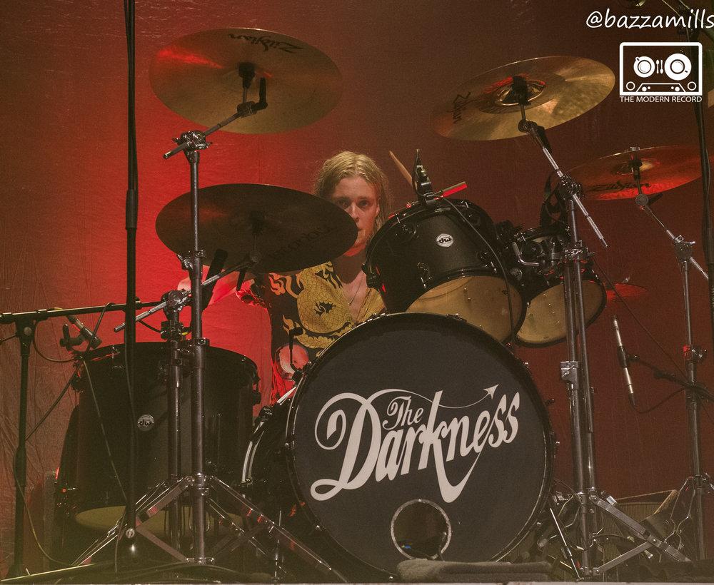 darkness15.jpg