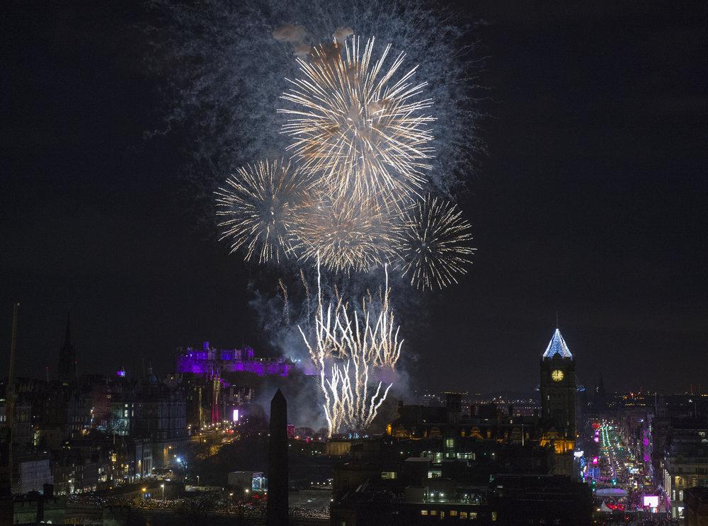 EDINBURGH'S HOGMANAY 2018 - MIDNIGHT NEW YEAR FIREWORKS DISPLAY  PHOTO SOURCE: THE CORNER SHOP PR