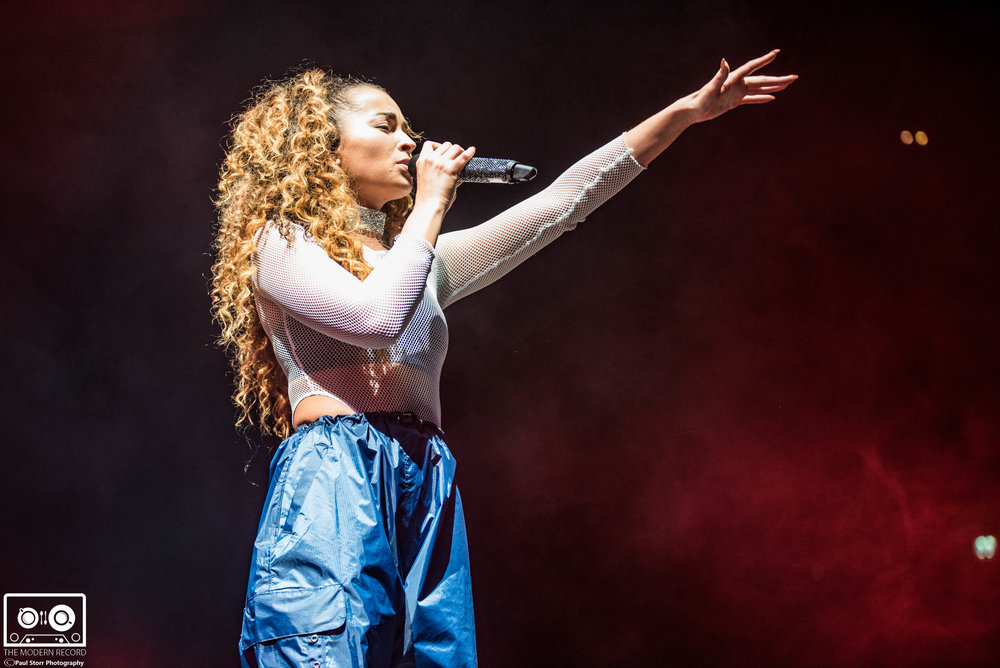 Ella Eyre, The SSE Hydro Glasgow, 16-2-18-6.jpg