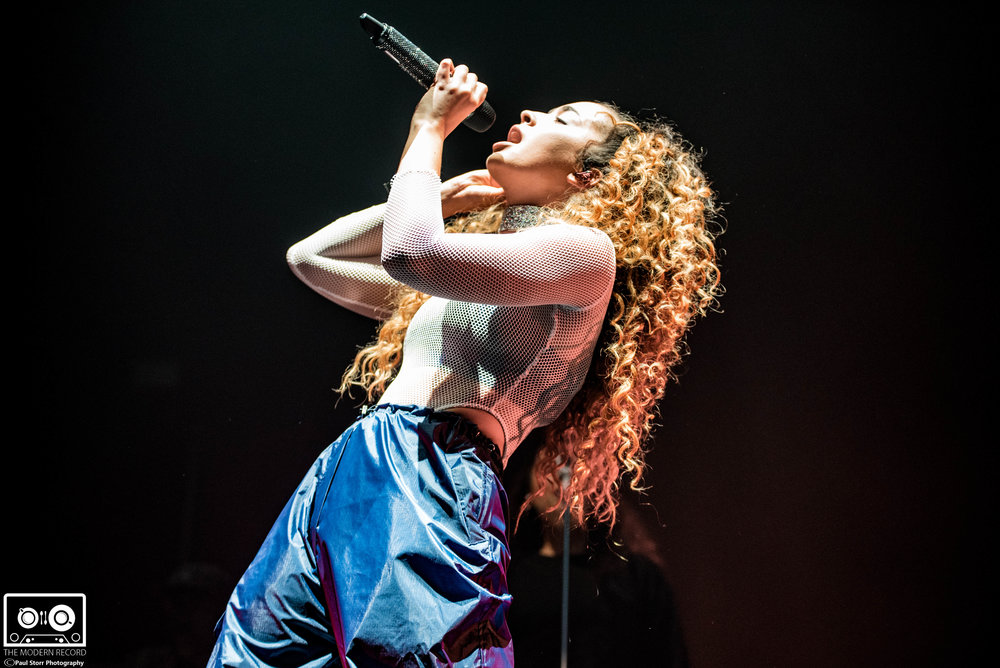 Ella Eyre, The SSE Hydro Glasgow, 16-2-18-10.jpg