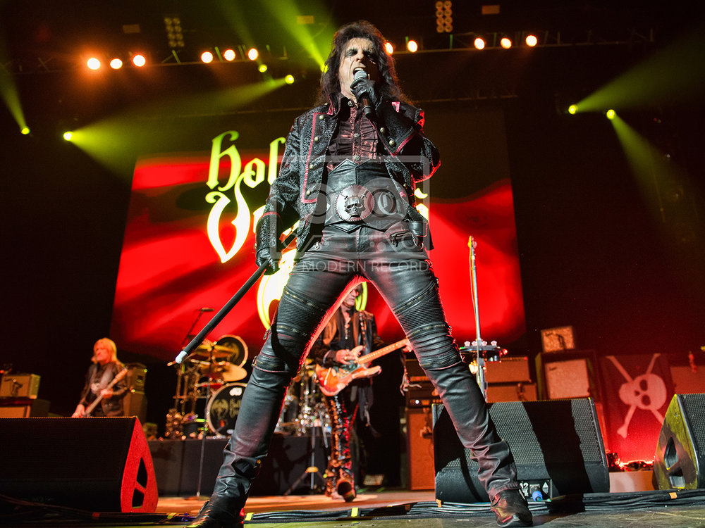The Hollywood Vampires  At The SSE Hydro, Glasgow19-06-201804.jpg