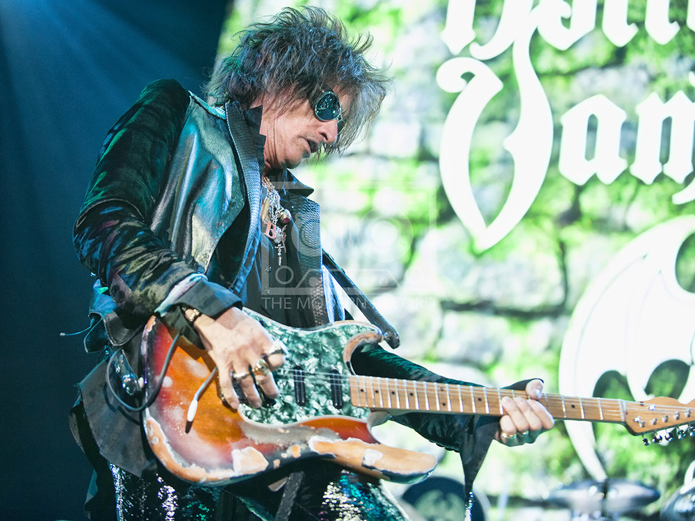 The Hollywood Vampires  At The SSE Hydro, Glasgow19-06-201808.jpg