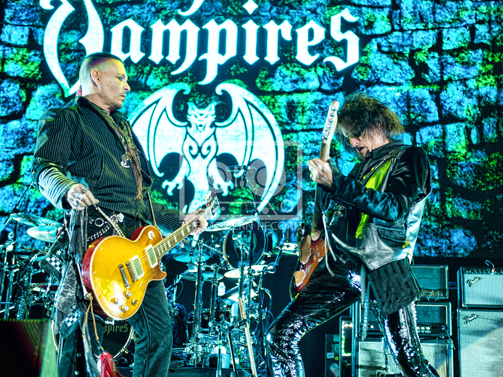 The Hollywood Vampires  At The SSE Hydro, Glasgow19-06-201815.jpg