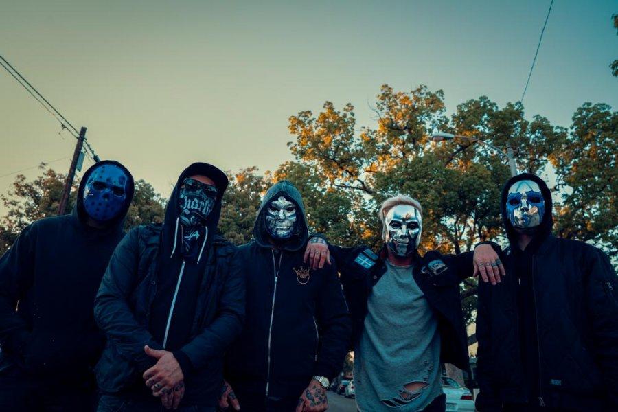 Hollywood-Undead-900x600.jpg