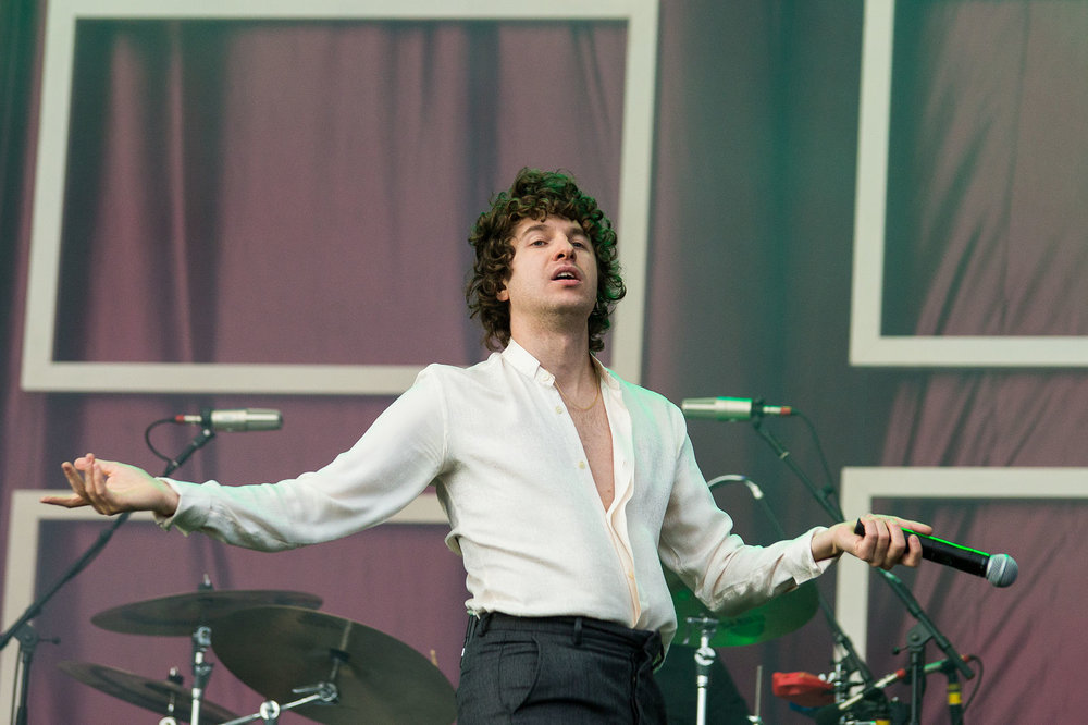 THE KOOKS PERFORMING ON THE MAIN STAGE AT SECOND DAY OF LEEDS FESTIVAL 2018 - 25.08.2018  PICTURE BY: MICHELLE ROBERTS
