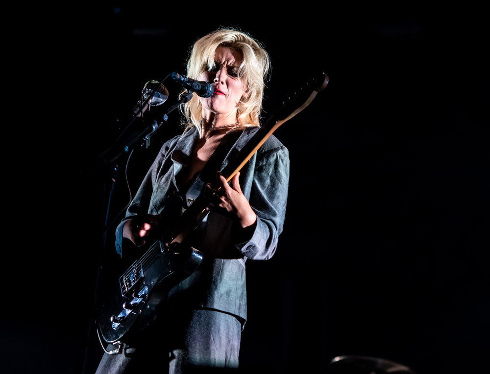 WOLF ALICE HEADLINING SECOND DAY ON BBC RADIO 1 STAGE AT LEEDS FESTIVAL - 25.08.2018  PICTURE BY: CALUM BUCHAN PHOTOGRAPHY