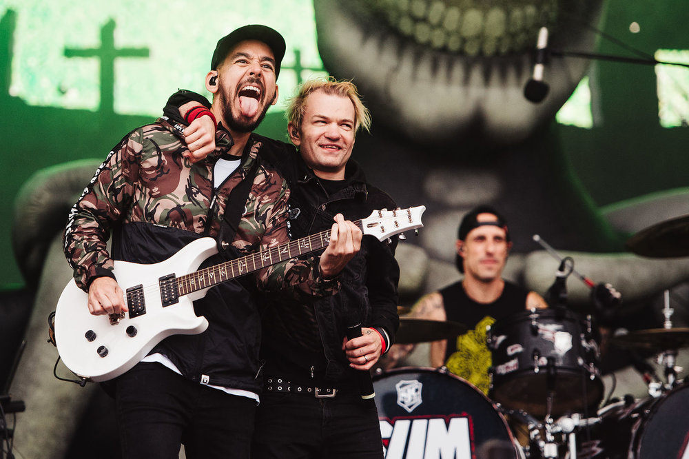 SUM 41 PERFORMING WITH LINKIN' PARK'S MIKE SHINODA ON THE MAIN STAGE AT LEEDS FESTIVAL 2018 - 26.08.2018  PICTURE BY: MATT EACHUS