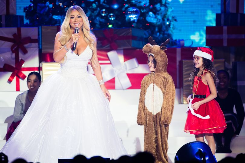 MARIAH CAREY PERFORMING AT LEEDS FIRST DIRECT ARENA - 10.12.2018  PICTURE: GETTY IMAGES