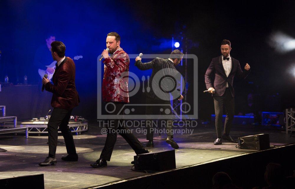 The Overtones - York Barbican - 14.12.18-2.jpg