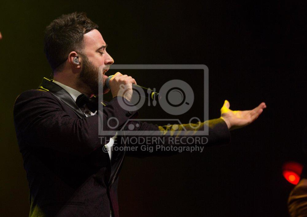 The Overtones - York Barbican - 14.12.18-12.jpg