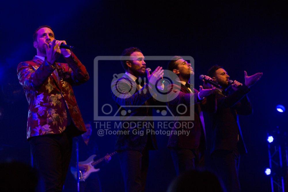 The Overtones - York Barbican - 14.12.18-14.jpg