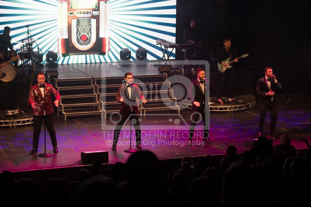 The Overtones - York Barbican - 14.12.18-15.jpg