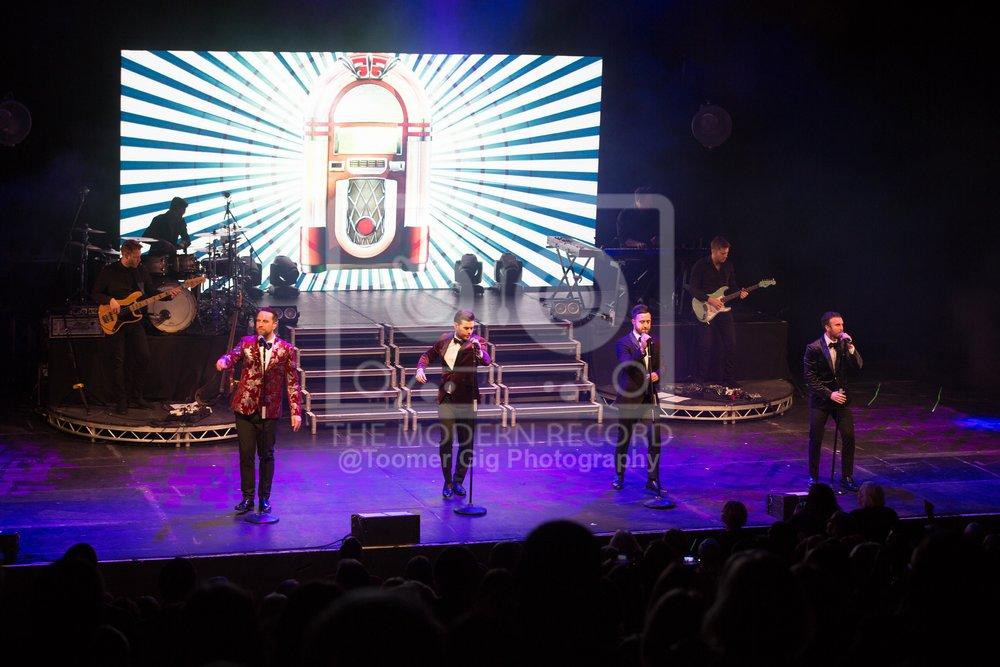 The Overtones - York Barbican - 14.12.18-16.jpg