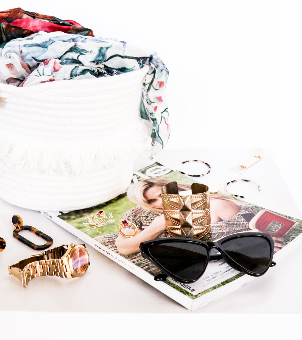 Biz sweet biz - Get your small business noticed with styled stock photography and branded blog & content writing.
