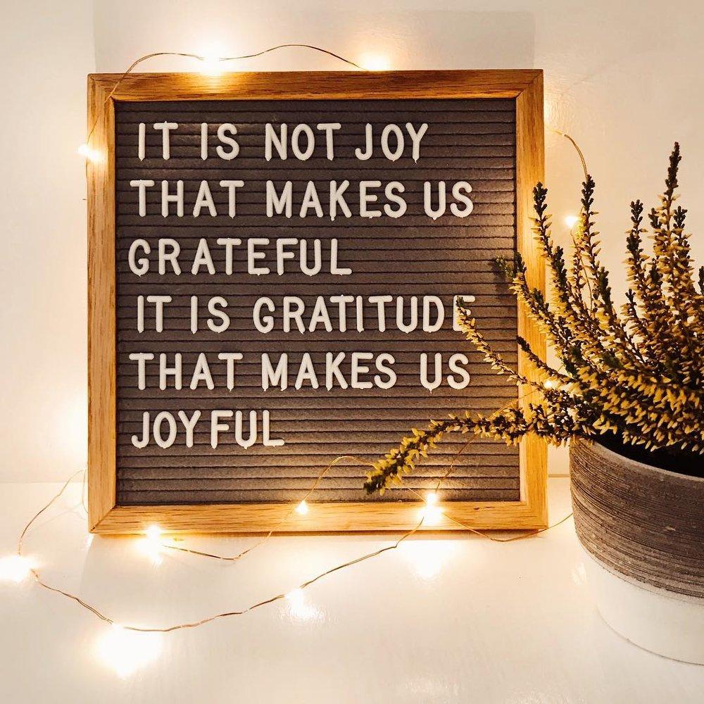 gratitude-letterboard
