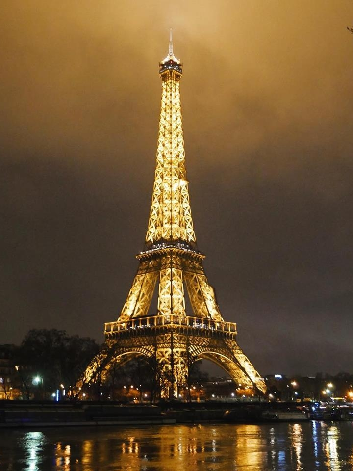 Eiffel-Tower.jpg