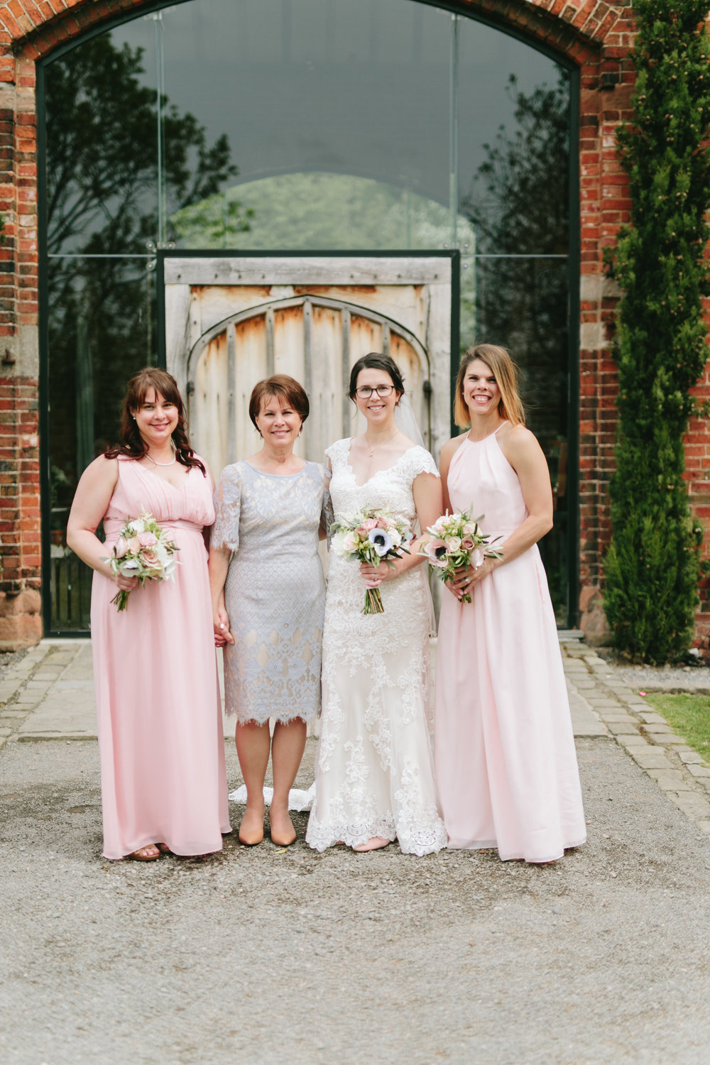 mom-sisters-wedding-day