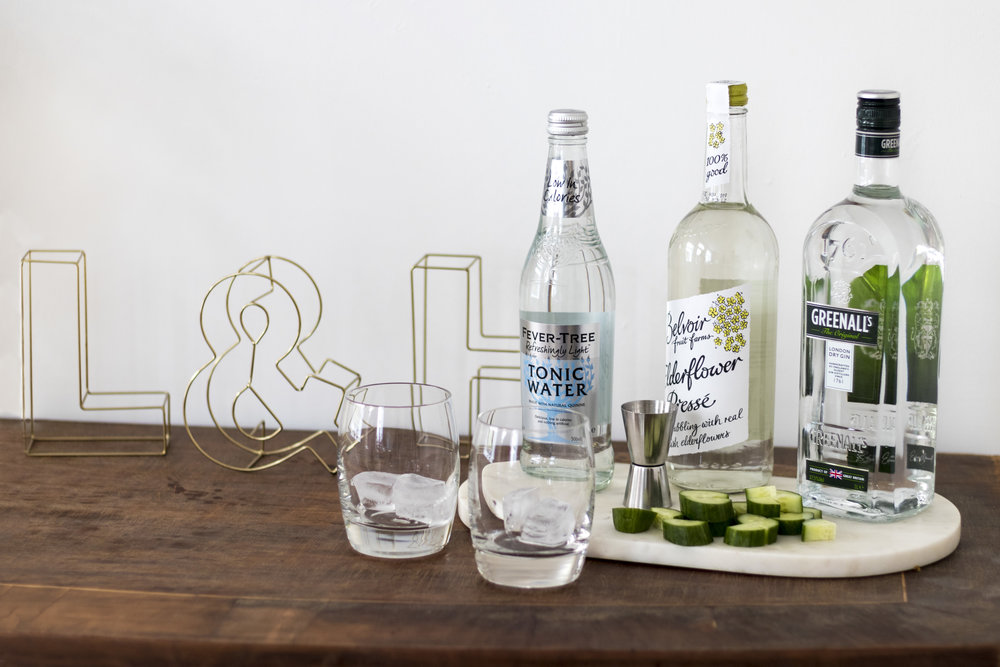 gin-and-tonic-happy-hour