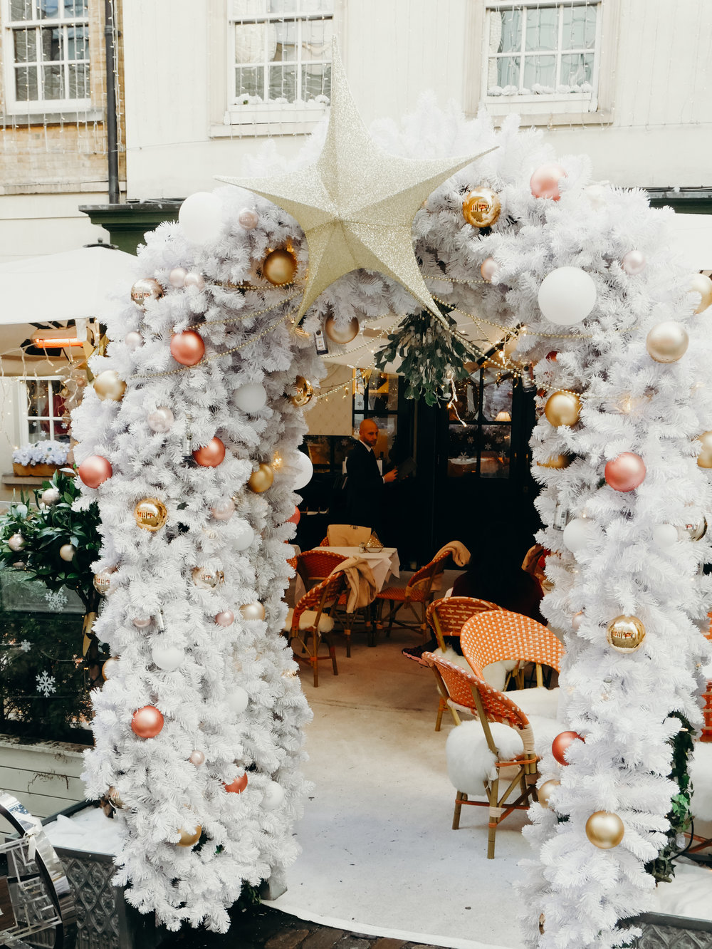 6 Things to Do in London at Christmastime - Mayfair