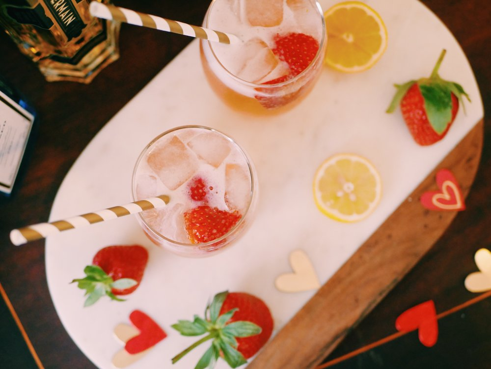 Cupid's Sparkling Gin Cocktail