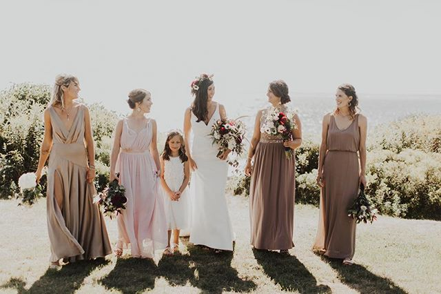 Gather your squad and come find your dream dress this weekend! We have a 10:00am appointment available tomorrow morning. AND we are opening an additional fitting room for the day (since we'll be closed Easter Sunday), but you have to call to snag one of those appointments. So hop online and grab our 10:00 or give us a call! ✨ . . . . #girlgang #bridetobe #bridesmaids #engagement #weddingflorals #jamestownri