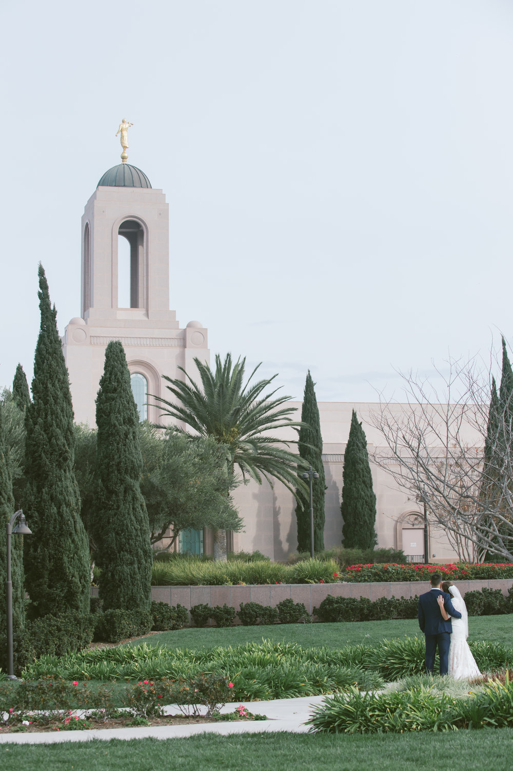 18Newport Beach LDS Temple Wedding Pictures.jpg