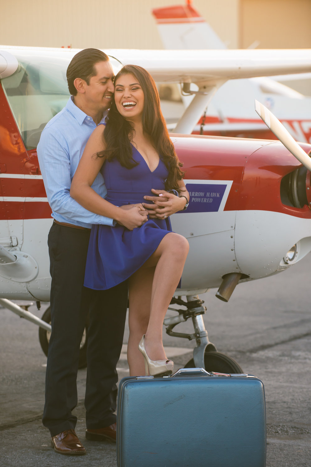 06Fullerton Airport Engagement Pictures.jpg