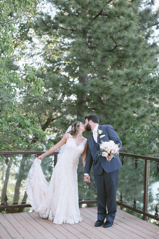 27Lake Arrowhead Resort Wedding Pictures.jpg