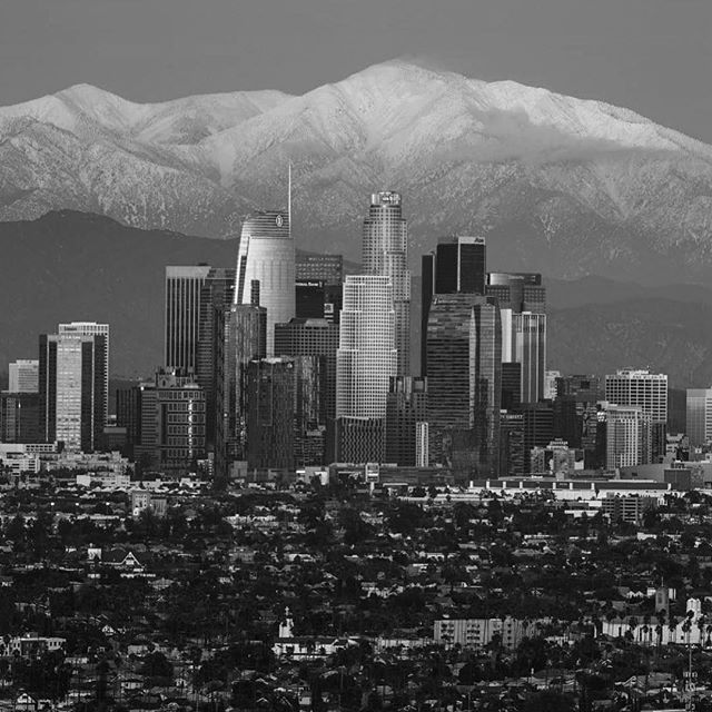 We only have two kinds of weather in California, magnificent and unusual. #Snow #LosAngeles