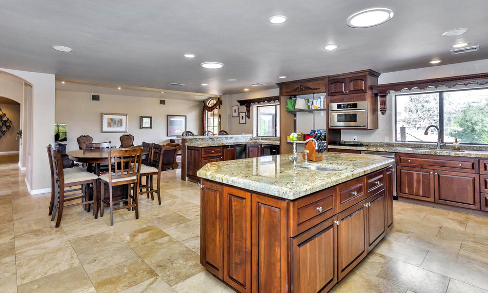 4012 E Claremont Ave-large-016-37-Kitchen-1500x902-72dpi.jpg