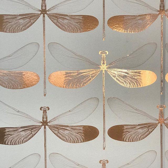 Fly on the wall #decor #details #design #wallpaper #whimsical #nature #homedecor #travel #inspiration #artisan #artist #art #metallic #photography #custom #palmsprings #california #beautifuldestinations