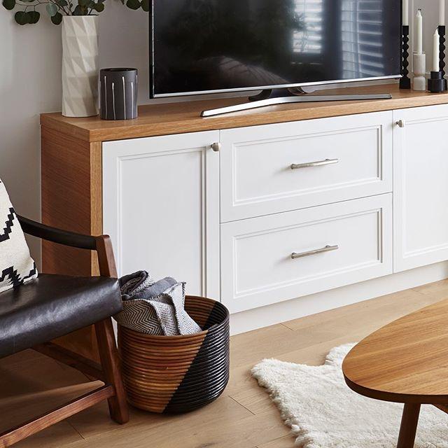 Homey.  #sarabedermandesign #custom #cabinetry #create #creative #renovation #construction #design #designer #details #decor #interiors #wood #white #homestyle #sodomino #interiorstyle #homedecor #home #interiorphotography #residential #residentialdesign #LoveYourHome